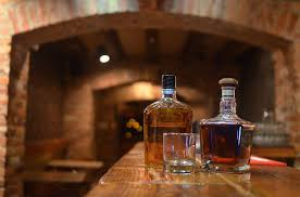 Comment  bien conserver son whisky : le guide